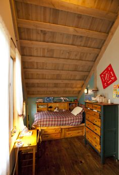 Kids bedroom in a wood barn home!  www.sandcreekpostandbeam.com https://www.facebook.com/SandCreekPostandBeam