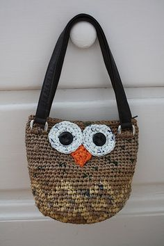 Plarn Owl bag. Cute!!!!!!