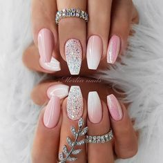 There are many designs to create elegant and luxury nails, but we have gathered the best of them. It is time you treat yourself with a proper manicure! Pink Nails, Glitter Nails, Coffin Nails, Acrylic Nails, Nail Art Designs, Accessoires Iphone, Luxury Nails, New Nail Art, Diamond Nails