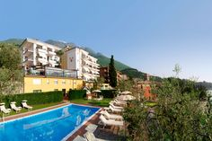 Hotel Capri - Malcesine ... Garda Lake, Lago di Garda, Gardasee, Lake Garda, Lac de Garde, Gardameer, Gardasøen, Jezioro Garda, Gardské Jezero, אגם גארדה, Озеро Гарда ... In the charming setting of the Garda area, Hotel Capri reflects the picturesque mood of the old city center nearby and overlooks the enchanting lakeshore. This family-run hotel offers cordiality and relaxation. Its authentic hospitality reflects tradition and offers modern services and...