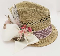 Love the summery vibe of this straw tracht hat.
