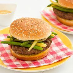 Burger wołowy z fasolką szparagową Hamburger, Ethnic Recipes, Food, Essen, Burgers, Meals, Yemek, Eten