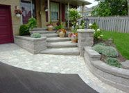 Add value to your home with best front yard landscape. Explore simple and small front yard landscaping ideas with rocks, low maintenance, on a budget. Modern Front Yard, Small Front Yard Landscaping, Front Yard Design, Driveway Landscaping, Modern Landscaping, Landscaping Ideas, Landscaping Software, Natural Landscaping, Driveway Ideas