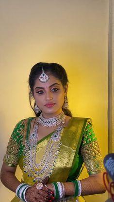 Lehenga Designs Simple, Wedding Saree Blouse Designs, Half Saree Designs, Blouse Designs Silk, Wedding Sarees, Bridal Sarees South Indian, Indian Bridal Outfits, Indian Bridal Fashion, Indian Fashion Dresses