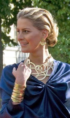 Princess Tatiana, love this whole set of jewelry~ gorgeous