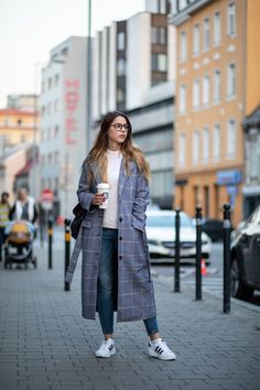 Fashion Clothes, Women's Fashion, Fashion Outfits, Autumn Outfits, Go Shopping, Travel Style, Youtubers, Duster Coat, Unicorn