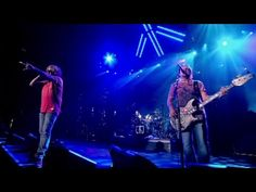 Chickenfoot - Learning To Fall [LIVE] - YouTube