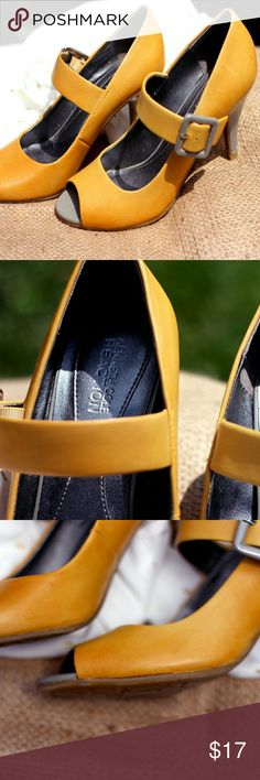 6.5 KENNETH COLE Reaction PUMPS mustard YELLOW Whimsy meets classic! Tag size 6.5M in women's. Men's size 5. KENNETH COLE Reaction PUMPS. Two-tone mustard YELLOW and GRAY PEEP-TOE Mary Jane's. Leather upper detailed with a wide 1'' four hole adjustable buckle strap. A 3'' PATENT heel. Good condition. No box. The inside lining near foot pad is wrinkled from wear. Peep toe lining shows signs of wear, superficial scrapes, when inspected close. Upon purchasing the shoes, I noticed the fabric…