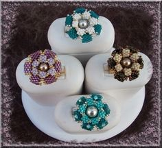 Le Blog de Peetje - lots of beautiful beadwork and free patterns