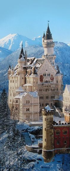 the most beautiful castle of all times: Castle Neuschwanstein in Germany/Bavaria Beautiful Castles, Beautiful Buildings, Wonderful Places, Beautiful Places, Amazing Places, Places To Travel, Places To See, Places Around The World, Around The Worlds