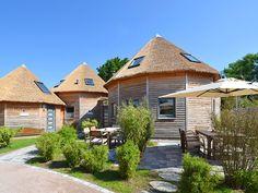 Unsere C-Lodges sind ideal für zusammen reisende Familien, Gruppen jedweder Art, Firmenincentives oder Wassersportferien.