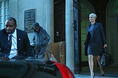 She makes wearing high heels look easy   16 Reasons Why Claire Underwood Is Your Favorite Character On House Of Cards