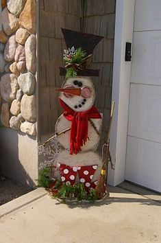 holiday, winter, snowmen, diy snowman, front doors, wood crafts, craft ideas, front porches, christma