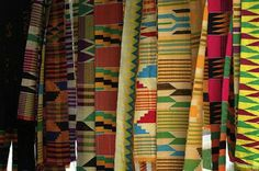 Kente Cloth Traditional textiles at the art center in Kumasi. July Terranova's Shea Blossom packaging design was inspired by the gorgeous patterns and rich tradition of African weaving and basket making. Ethnic Patterns, Textile Patterns, Print Patterns, African Textiles, African Fabric, African Prints, Ethnic Jewelry, Kente Styles, Kente Cloth