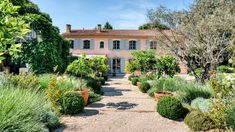 Tour This Picture-Perfect Villa in Provence   Architectural Digest Architectural Digest, Pink Houses, Old Houses, Disneyland, Welcome To My House, Paris Apartments, Plein Air, California Beach, Photos