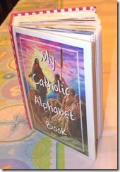 FREE printable Catholic ABC book with pictures, prayers, etc.-- meant to keep kids quiet and focused during mass