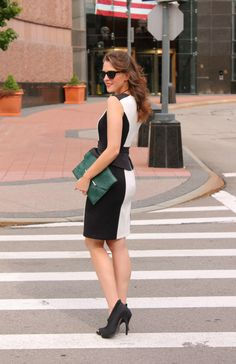 Lusting for an oversized envelope clutch like that!