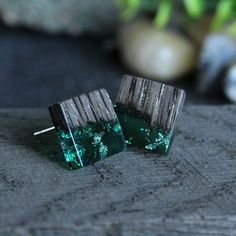 Wood and Resin stud style earrings crafted by SOGD. Dark wood with beautiful grain detail melds into green resin containing silver leaf. A perfect pair of earrings for a gift and suitable for day or evening wear. Silver For Jewelry Making, Resin Jewelry Making, Resin Jewellery, Wood Resin, Resin Art, Earring Crafts, Jewelry Crafts, Wooden Jewelry, Handmade Jewelry