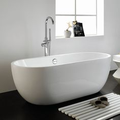 Taal Free Standing Bath