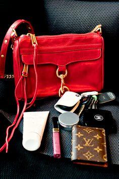 A cup of Mai: What's in my purse? (RM Mini Mac Clutch)