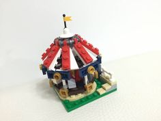 [MOC] Microscale Carousel by Momohangyu Micro Lego, Lego Modular, All Lego, Cool Lego Creations, Lego Design, Lego Ideas, Carousel, Legos, Playground