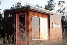 """""""Shedquarters"""": The Hot New Trend Home-Based Business Owners Are Drooling Over Backyard Office, Backyard Studio, Backyard Sheds, Garden Studio, Outdoor Office, Backyard Camping, Outdoor Rooms, Outdoor Living, Modern Shed"""
