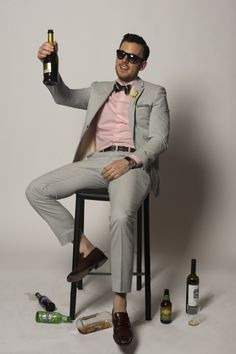 Wedding Party - http://weddingpartyblog.com/2012/05/17/style-men-what-to-wear-to-a-summer-wedding-suit-khakhi-blazer-tuxedo-fashion-2012/