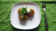 Avocado Tahini Sauce for Quinoa Patties ¼ c tahini 1 tbsp fresh lime juice (about ½ lime) 2 tbsp cilantro (fresh coriander) ½ cup water
