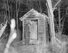 """"""" Albert Fish crime scene, 1934 Police inspect a shed that stands in the back of the house in Westchester County after Albert Fish confessed in homicide court. Albert Fish Letter, Fish Gallery, Real Monsters, Westchester County, Serial Killers, True Crime, Macabre, American History, Creepy"""