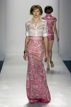 Naeem Khan Spring 2008 Ready-to-Wear Fashion Show - Solange Wilvert Vestido Batik, Batik Dress, Trendy Dresses, Fashion Dresses, Short Sleeve Dresses, Long Dresses, Maxi Dresses, Naeem Khan, Mom Dress