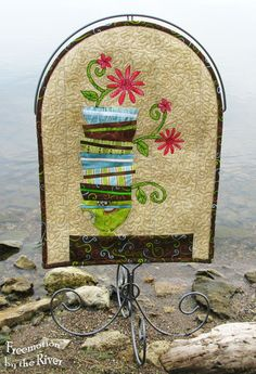 Paper piecing on a Ackfeild frame by the Mississippi River