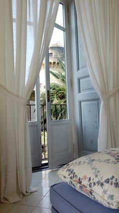 Palazzo Belmonte's windows