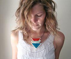 collana con frecce multicolor