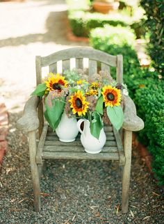 #sunflower, #centerpiece, #summer  Photography: Clayton Austin - loveisabird.com  View entire slideshow: Fall Wedding Flowers on http://www.stylemepretty.com/collection/632/