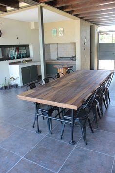 Mesa de Guayubira y patas de tuberias galvanizadas pintadas. Ideas Para, Conference Room, Table, Furniture, Home Decor, Gardens, Pipe Furniture, Kitchen Tables, Chairs
