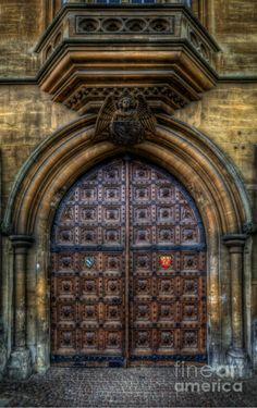 Red Heart Door  History Of Science Museum Oxford. By Yhun Suarez