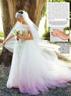 Anne Hathaway in her Wedding Day in Valentino