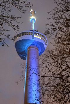 Euromast, Rotterdam, The Netherlands - Eight ColorReach Powercore fixtures installed at ground level light the tower up to the Euroscoop deck. Twenty ColorBlast Powercore fixtures and nine additional ColorReach Powercore fixtures illuminate the deck and the Space Tower, which rises above it. http://www.colorkinetics.com/showcase/installs/Euromast/#sthash.rkoUGLx4.dpuf