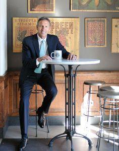 """Howard Schultz, presidente de Starbucks: """"El crecimiento y el éxito pueden ocultar fallos"""""""