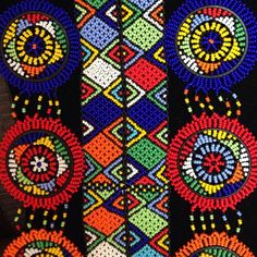 Let & rsquo; ın Zulu  Zulu renk paletlerini konuşmak  #zulu #craft #art #design #decor #jewelry #tradition #culture #beads #SouthAfrica (www.inkosazane.tumblr.com at)