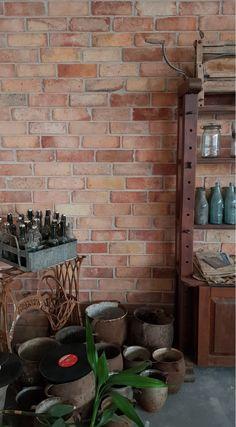 Ściana wykonana za pomocą cegły RETRO MODERN Retro, Retro Illustration