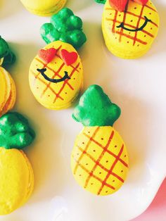 DIY Pineapple Love Macarons! ⋆ Brite and Bubbly