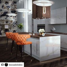 Don't be afraid think out of the box. Inject some colour on you kitchen through accessories like these amazing orange stools. STUNNING KITCHEN💥💥💥
