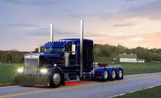 Custom Big Rigs | ... iappsofts.com/west-coast-customs-big-rig-show-custom-paint-job.html