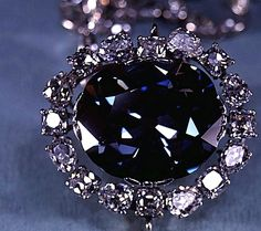 Little bigger than a walnut, the dazzling Hope Diamond is one of the world's most famous precious gems. At carats, this beautiful, deep blue diamond Hope Diamond, Diamond Image, Boho Jewelry, Silver Jewelry, Jewelry Necklaces, Swarovski Jewelry, Gemstone Jewelry, Silver Earrings, Silver Diamonds