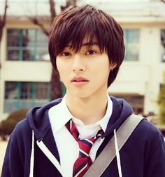 "Kento Yamazaki as Rita Terasaka, J LA movie ""Heroine Shikkaku (No longer heroine/Heroine disqualified), 2015 もっと見る Kentaro Sakaguchi, Kento Yamazaki, Japanese School Uniform, Artists And Models, Japanese Boy, Kubota, Asian Hair, Handsome Anime, Asian Actors"