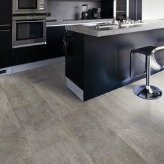 Market Timber Wicanders Artcomfort, Brooklyn Melbourne Engineered Cork Flooring in Beton Haze Black Kitchen Cabinets, Black Kitchens, Cool Kitchens, Updated Kitchen, New Kitchen, Kitchen Decor, Kitchen Ideas, Cork Flooring Kitchen, Kitchen Backsplash