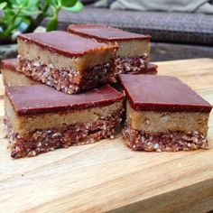 SUGAR-FREE CARAMEL SLICE (YES, DATE FREE!) - sami bloom