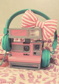 (via (8) It's a girl thing (37 photos) | Girly, Pink and Polaroid)