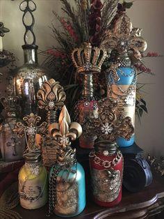 Wine Bottle Art, Glass Bottle Crafts, Diy Bottle, Shell Crafts, Jar Crafts, Bottles And Jars, Glass Bottles, Halloween Bottles, Altered Bottles